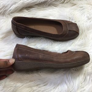 Duluth Trading Co Lather Distressed Loafers